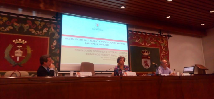 "Presentation of the lecture ""Implications of robotics in safety at work"" by Yolanda Sánchez-Urán"